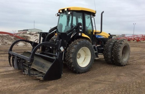 2014 New Holland TV6070 Tractor