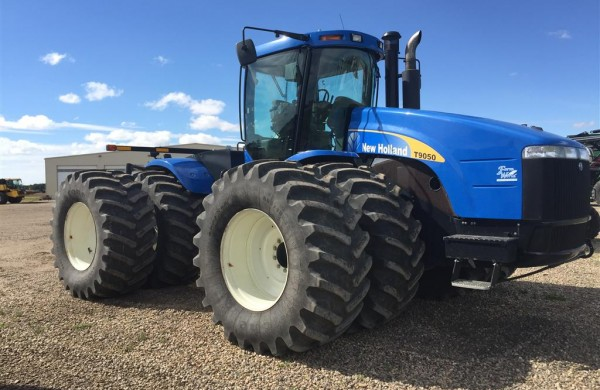 2008 New Holland T9050 Tractor
