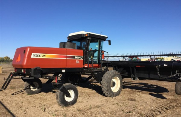 2006 Hesston 9240 Windrower