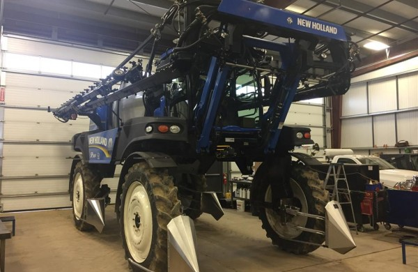 2014 New Holland SP.365F Sprayer