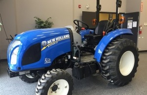2014 New Holland BOOMER 33 Tractor Compact