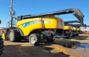 2012 New Holland CX8090 Combine