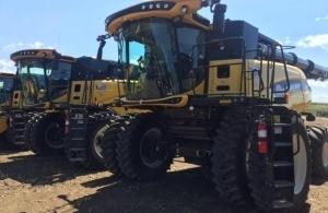 2015 New Holland CR9.90 Combine