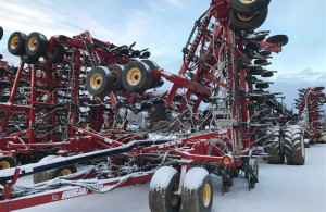 http://farmworld.ca/used-equipment/view/3151382-bourgault-air-seeder-3310