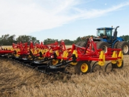 2018 Bourgault 9500 Field Cultivator