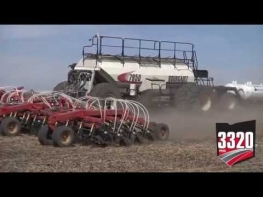 Bourgault Paralink Hoe Drill - XTC & QDA Seeding Systems